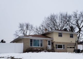Foreclosed Home en WALTER CT, Elgin, IL - 60123