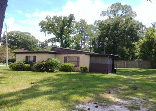 Foreclosed Home en DICKIE DR, Jacksonville, FL - 32216