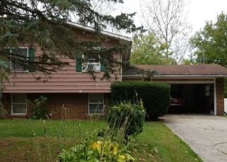 Foreclosed Home in PEMBROOK LN, Elkhart, IN - 46517