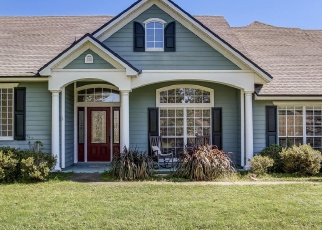 Foreclosed Home en JEREMYS DR, Green Cove Springs, FL - 32043