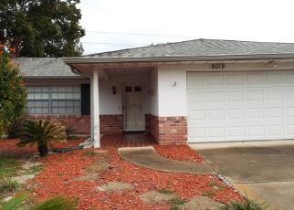 Foreclosed Home en E BARLINGTON DR, Deltona, FL - 32725