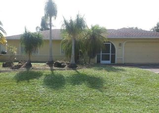Foreclosed Home en FOUR MILE COVE PKWY, Cape Coral, FL - 33990
