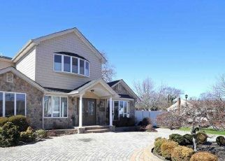 Foreclosed Home in OLYMPIA RD, Bellmore, NY - 11710