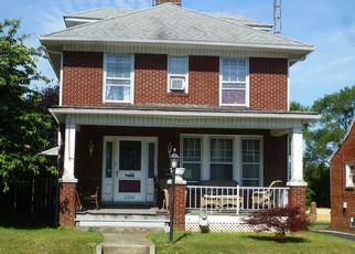 Foreclosed Home en S QUEEN ST, York, PA - 17402
