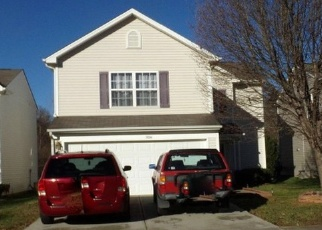 Foreclosed Home in WALLACE CREEK LN, Charlotte, NC - 28212