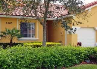 Foreclosed Home en OXFORD CIR, Vero Beach, FL - 32966
