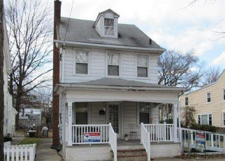 Foreclosed Home en LINDEN ST, Bristol, PA - 19007