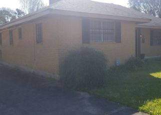 Foreclosed Home in BOOTSIE DR, Baton Rouge, LA - 70805