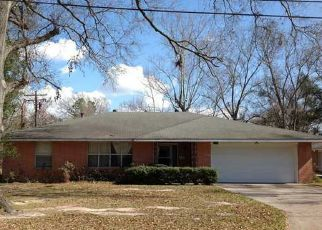Foreclosed Home in JUBAN AVE, Baton Rouge, LA - 70805