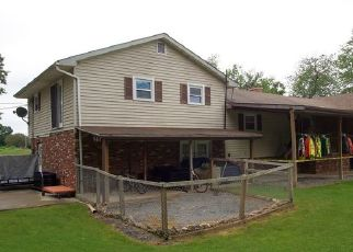 Foreclosed Home en WOODWARD ST, Mill Hall, PA - 17751