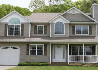 Foreclosed Home en MILL LN, Medford, NY - 11763