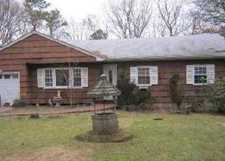 Foreclosed Home in CHESTNUT ST, Central Islip, NY - 11722