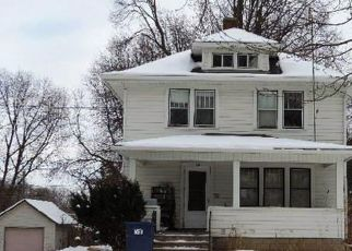 Foreclosed Home en RED WING AVE, Kenyon, MN - 55946