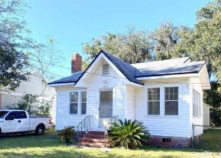 Foreclosed Home in DRAYTON ST, Jacksonville, FL - 32208