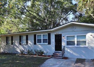 Foreclosed Home en EARTHA DR, Jacksonville, FL - 32209