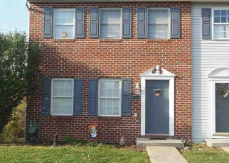 Foreclosed Home en POINT CIR, York, PA - 17406