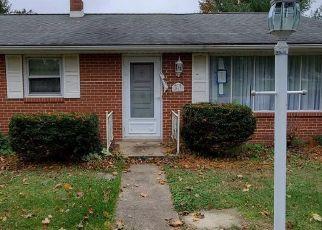 Foreclosed Home en LENTZLYN DR, York, PA - 17403