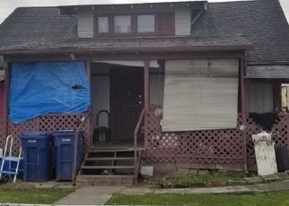 Foreclosed Home en E 46TH ST, Tacoma, WA - 98404