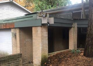 Foreclosed Home en SE 60TH ST, Bellevue, WA - 98006