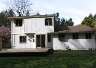 Foreclosed Home en 97TH AVENUE CT E, Puyallup, WA - 98375