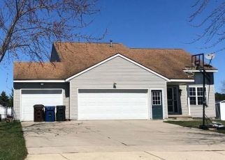 Foreclosed Home en DEERFIELD DR, Ravenna, MI - 49451