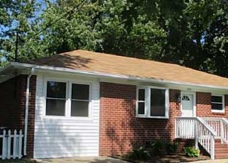 Foreclosed Home en CELLARDOOR CT, Hampton, VA - 23666