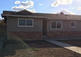 Foreclosed Home en KADOTA AVE, Waterford, CA - 95386