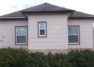 Foreclosed Home en W 2ND AVE, Flandreau, SD - 57028