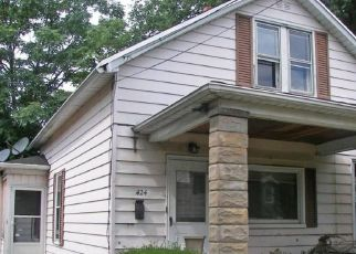 Foreclosed Home en W 16TH ST, Erie, PA - 16502
