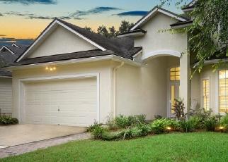 Foreclosed Home en LAUREL MILL DR, Orange Park, FL - 32065
