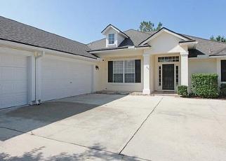 Foreclosed Home en WAKEMONT DR, Orange Park, FL - 32065