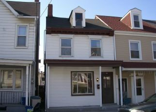 Foreclosed Home en S 12TH ST, Easton, PA - 18042