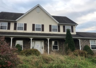 Foreclosed Home en ROLLING MEADOWS RD, Saylorsburg, PA - 18353