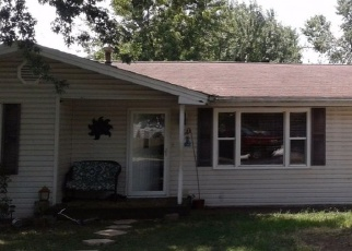 Foreclosed Home en N RAINBOW AVE, Springfield, MO - 65803