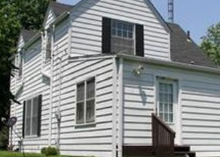 Foreclosed Home en N HIGH ST, Bowling Green, MO - 63334