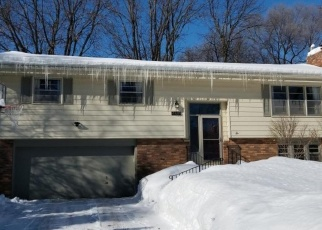 Foreclosed Home en GETTYSBURG AVE N, Minneapolis, MN - 55428