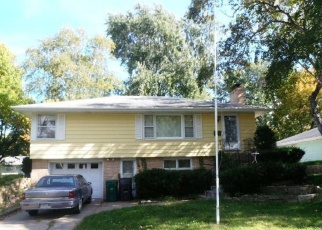 Foreclosed Home en MARYLAND AVE N, Minneapolis, MN - 55427