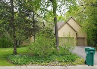 Foreclosed Home en DEERWOOD DR, Chaska, MN - 55318