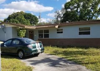 Foreclosed Home en NW 24TH PL, Opa Locka, FL - 33056