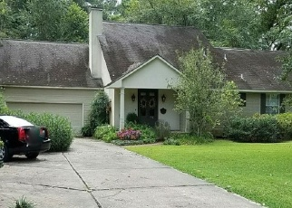 Foreclosed Home in LEEWARD DR, Baton Rouge, LA - 70808
