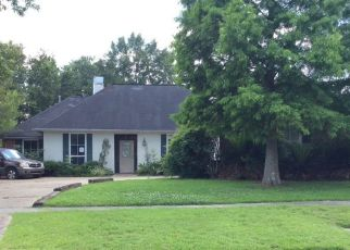 Foreclosed Home in CANTERDALE AVE, Baton Rouge, LA - 70817