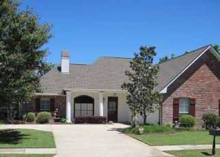 Foreclosed Home in IBERVILLE DR, Denham Springs, LA - 70726