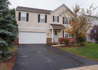 Foreclosed Home in CASCADE RIDGE DR, Plainfield, IL - 60586