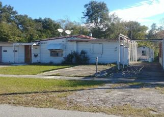 Foreclosed Home en PEACH DR, Jacksonville, FL - 32246