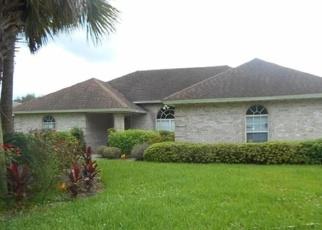 Foreclosed Home en NORTHSIDE DR S, Jacksonville, FL - 32218