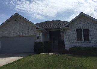 Foreclosed Home in DRAKE DR, Quincy, IL - 62305