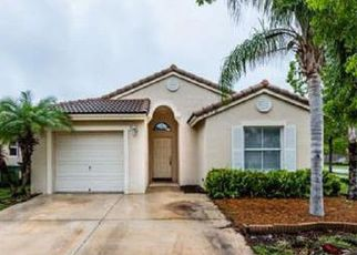 Foreclosed Home en SE 13TH ST, Homestead, FL - 33035