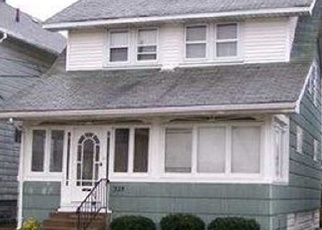 Foreclosed Home en E 29TH ST, Erie, PA - 16504