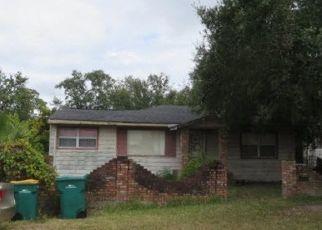 Foreclosed Home en DAVIDSON AVE, Inverness, FL - 34450