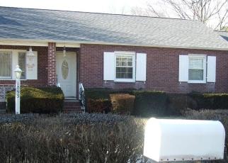 Casa en ejecución hipotecaria in Bay Shore, NY, 11706,  NUGENT AVE ID: P1282349